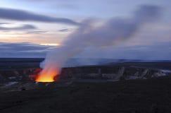 Vulkanisk krater i den stora ön av Hawaii Arkivfoton