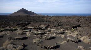 vulkanisk liggande Arkivfoton