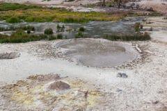 Vulkanisk pöl för varmvatten Arkivfoton