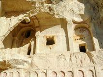 Vulkaniska klippor och vaggar bildande på Cappadocia Royaltyfri Bild