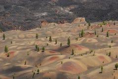 vulkaniska kulöra dyner Arkivfoton