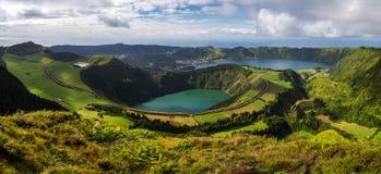 Vulkaniska sjöar från Sete Cidades Royaltyfri Fotografi