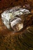 Vulkaniskt grottagalleri i den Terceira ön azerbaijan Gruta gör födelse- Arkivfoton