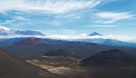 Vulkaniskt landskap på Kamchatka arkivbild