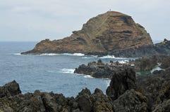 Vulkaniskt vaggar i havet fotografering för bildbyråer