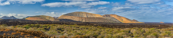 Vulkankraterpanorama, Lanzarote Stockfotos