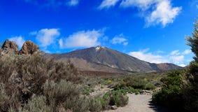 Vulkanlandskap royaltyfria bilder