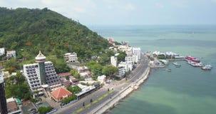 Vung Tau Vietam, Asien, South East Asia, längd i fot räknat för surr 4k med härliga sikter: fiskebåtar semesterorter, berg, port stock video