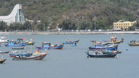 Vung Tau, Vietnam - 30 de enero de 2018: Playa delantera en la ciudad de Vung Tau almacen de metraje de vídeo
