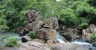 VUNG TAU, VIETNAM - 10 giugno 2013 - Suoi Tien Waterfall a Vung Tau, Vietnam Fotografie Stock