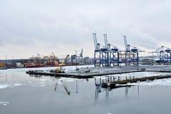 Vuosaari,赫尔辛基,芬兰港口  免版税库存图片