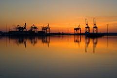 Vuosaari Hafen in der Morgendämmerung lizenzfreies stockbild