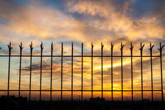 Vurige oranje zonsonderganghemel Mooie hemel Royalty-vrije Stock Fotografie