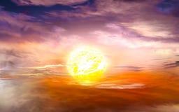 Vurige oranje zonsonderganghemel Mooie hemel Royalty-vrije Stock Afbeelding