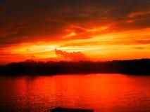 Vurige zonsondergang Stock Foto
