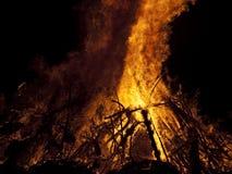 Vuur bij nacht Royalty-vrije Stock Afbeeldingen