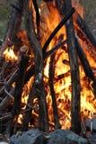 Vuur bij schemer royalty-vrije stock foto's