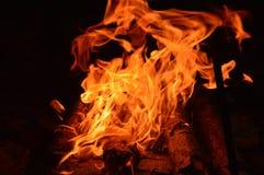 Vuur in de nacht royalty-vrije stock foto