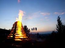 Vuur na zonsondergang Royalty-vrije Stock Afbeeldingen