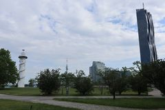 Vuurtoren, Danubetower en millennium-stad-toren Stock Foto's