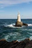 Vuurtoren in de haven van Ahtopol, de Zwarte Zee, Bulgarije Royalty-vrije Stock Fotografie