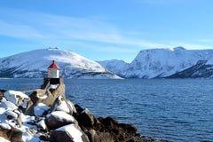 Vuurtoren in Noordelijk Noorwegen Royalty-vrije Stock Foto