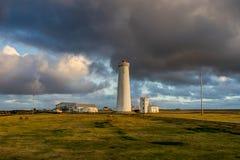 Vuurtoren op het Reykjanes-schiereiland in Reykjavik, IJsland royalty-vrije stock foto's