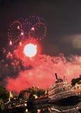 Vuurwerk bij het meer royalty-vrije stock foto