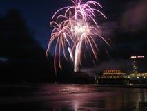 Vuurwerk bij het strand Royalty-vrije Stock Foto