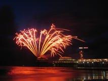 Vuurwerk bij het strand Stock Foto's
