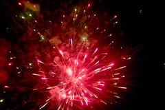 Vuurwerk bij nacht in hemel 12 stock afbeelding