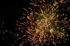 Vuurwerk bij nacht in hemel 10 stock foto's