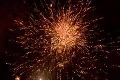 Vuurwerk bij nacht in hemel 13 stock fotografie