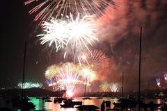 Vuurwerk dat over de stad, Sydney 2012 wordt uitgespreid Stock Afbeeldingen