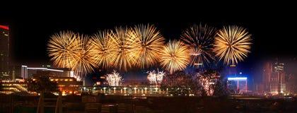Vuurwerk in de Haven van Hongkong Victoria royalty-vrije stock fotografie