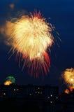 Vuurwerk in de hemel Stock Afbeelding