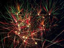 Vuurwerk in de Hemel van Nacht Stock Fotografie