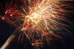 Vuurwerk in de Hemel van Nacht Stock Foto