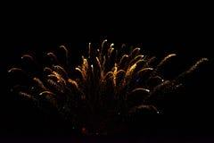 Vuurwerk in de nachthemel Royalty-vrije Stock Afbeelding