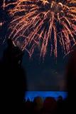 Vuurwerk in de stad stock afbeeldingen
