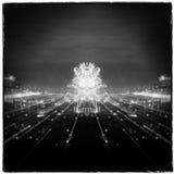 Vuurwerk in de stad, Nieuwjaren Vooravond Royalty-vrije Stock Foto's