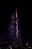 Vuurwerk Doubai de stad in en Burj Khalifa Royalty-vrije Stock Afbeelding