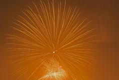 Vuurwerk in hemel royalty-vrije stock afbeelding