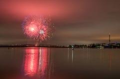 Vuurwerk op de baai stock foto's