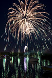 Vuurwerk op de Rivier Stock Foto's