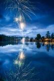 Vuurwerk op het Meer Stock Afbeeldingen