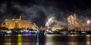 Vuurwerk op het strand van Eilat stad, Israël Royalty-vrije Stock Afbeelding
