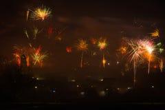 Vuurwerk op nieuwe jarenvooravond stock fotografie