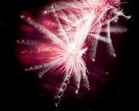 Vuurwerk op zwarte achtergrond Royalty-vrije Stock Afbeelding