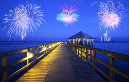 Vuurwerk over Apalachicola, Florida stock foto